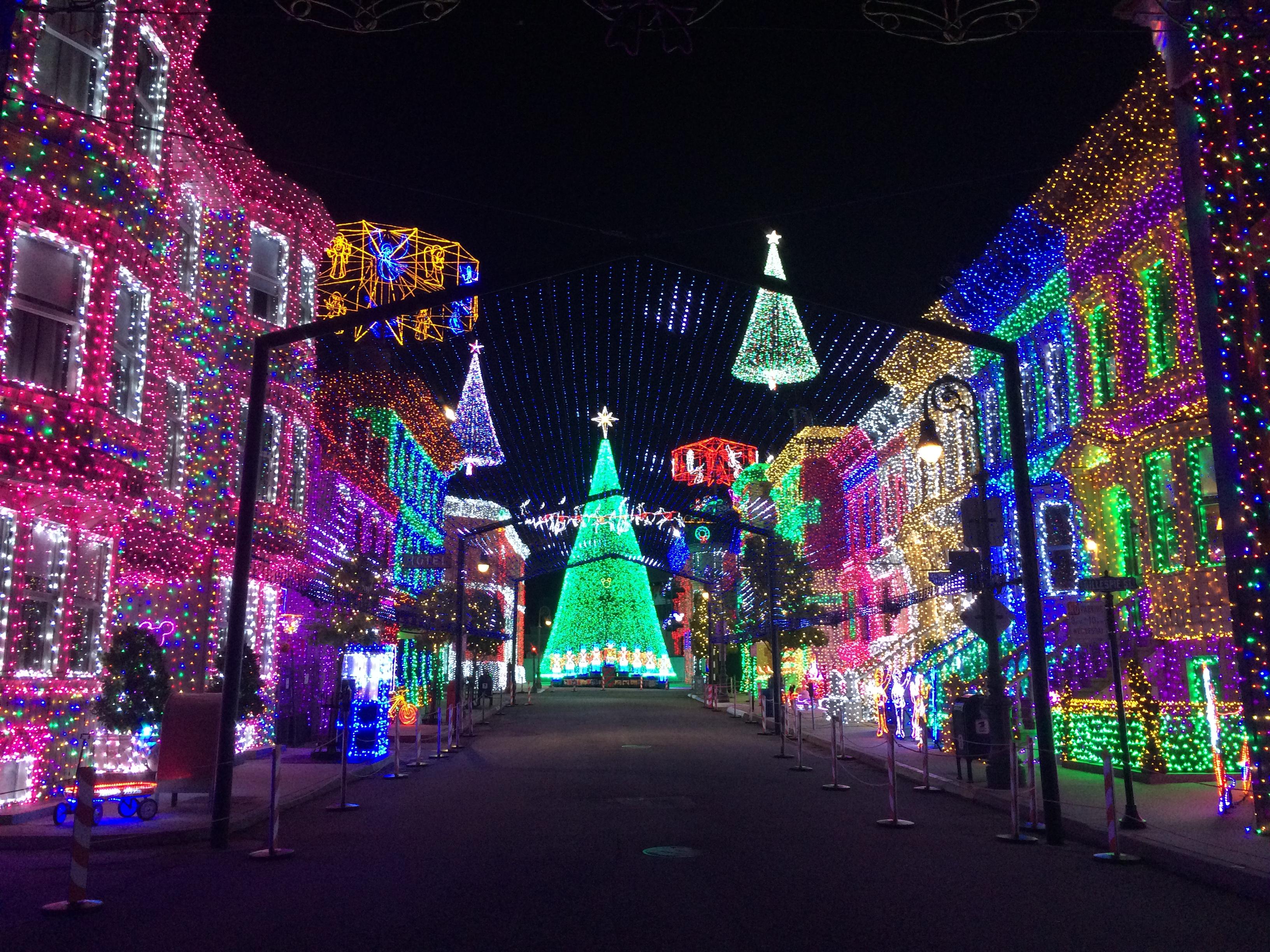 fileosborne family spectacle of dancing lights 26784206301jpg - Osborne Family Christmas Lights