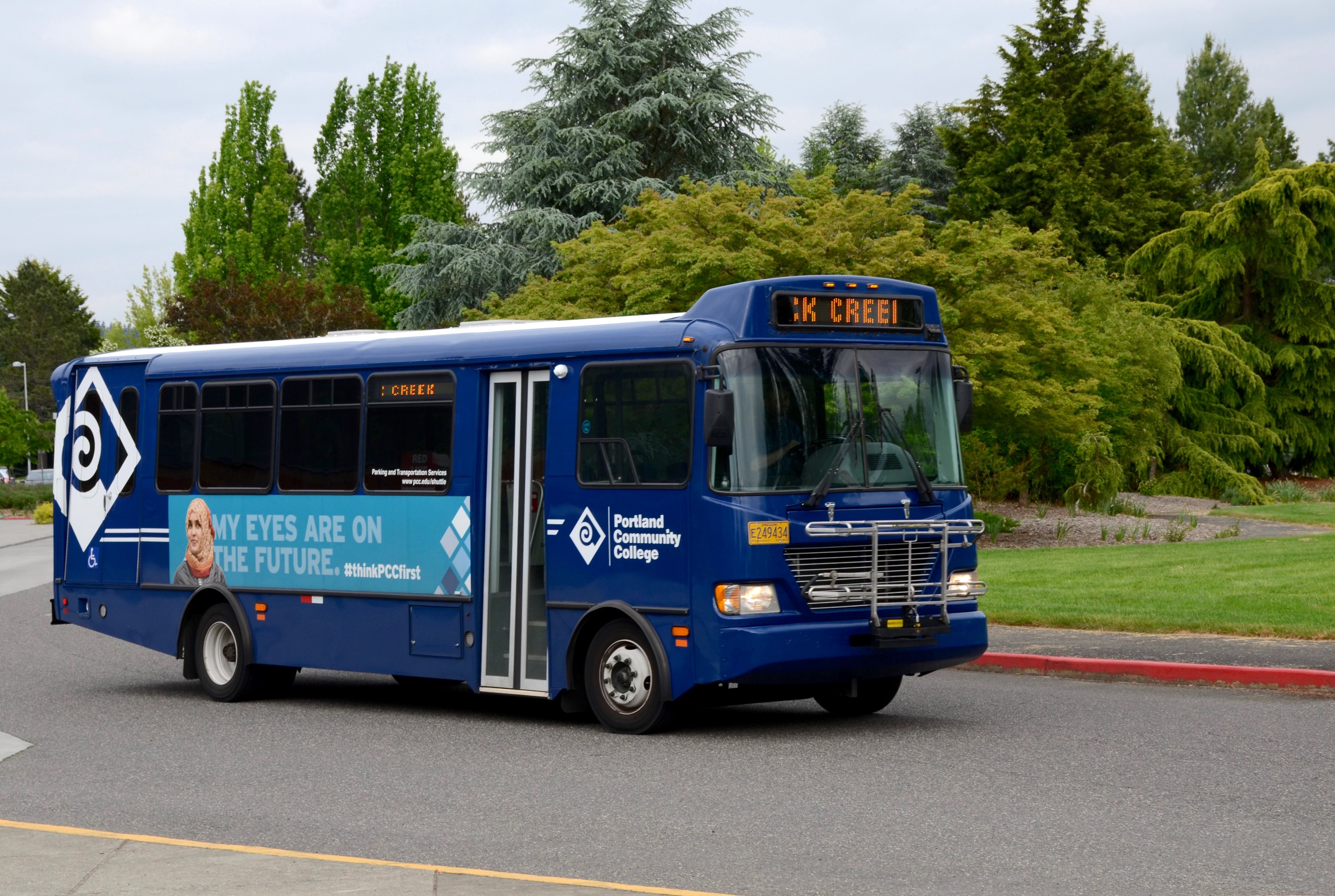 File:PCC shuttle bus on Rock Creek campus (2018).jpg - Wikimedia Commons