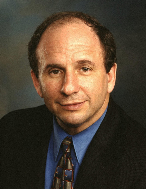 السناتور بول ولستون (1944-2002): الأمريكي الوسيم