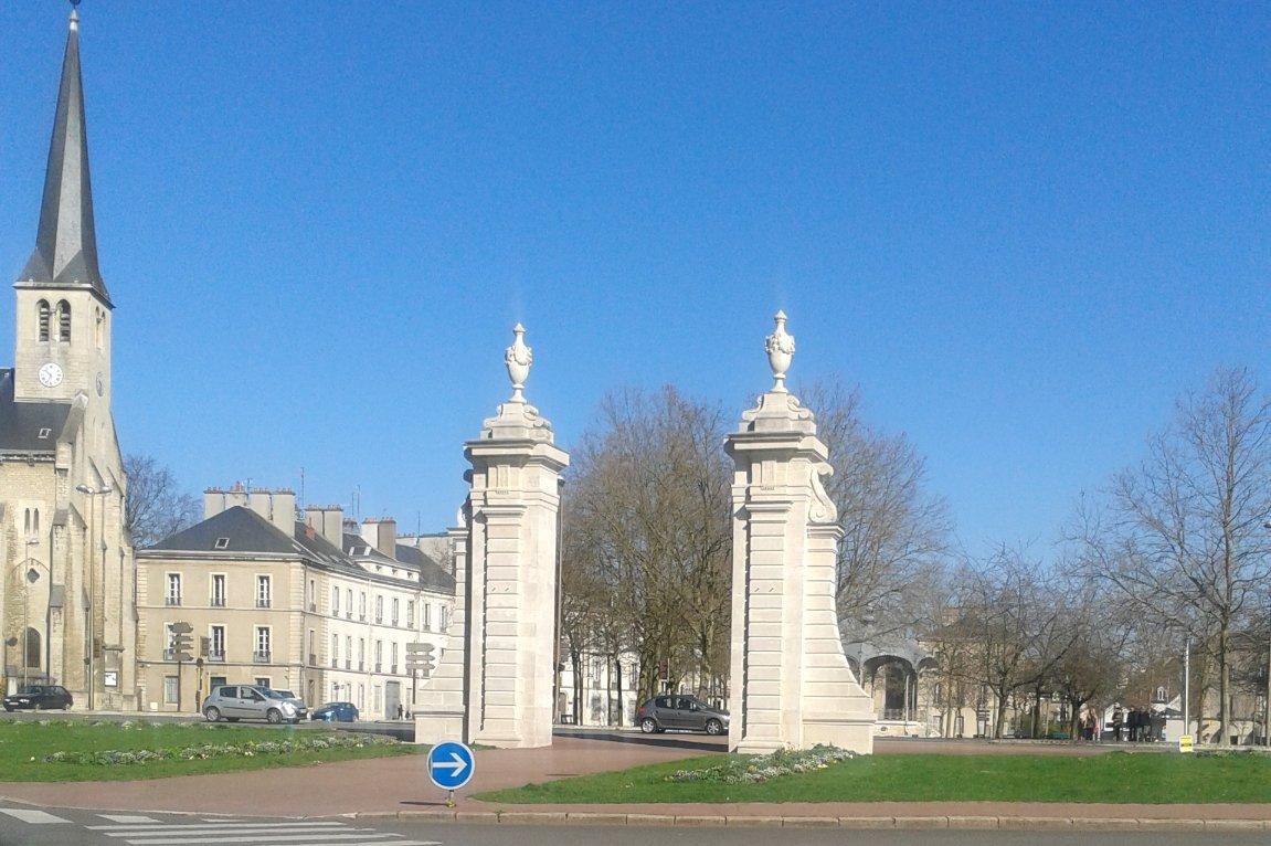 Porte des all es du parc dijon wikip dia - Porte du diable dijon ...