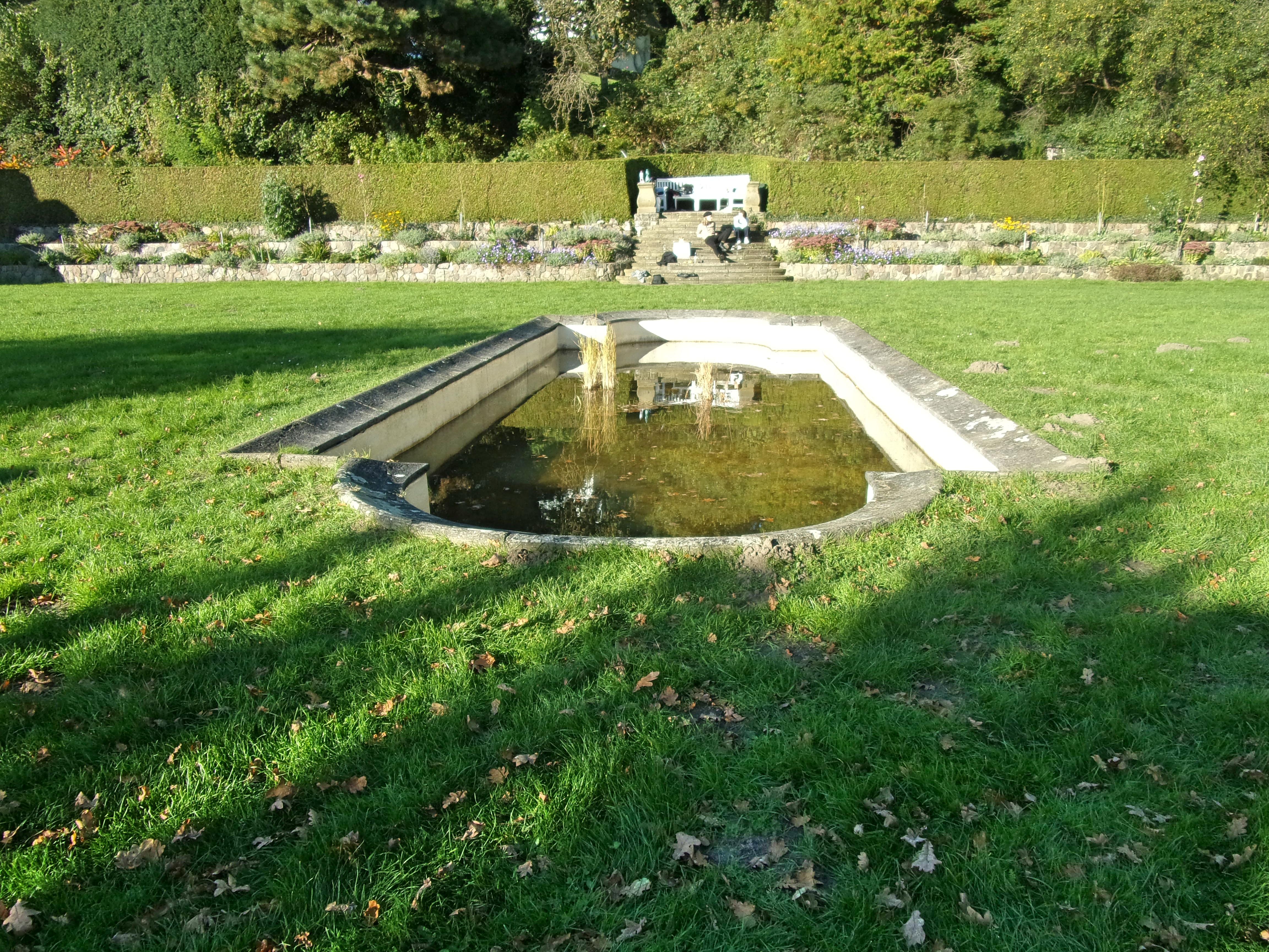 Filerömischer Garten Seerosenteichjpg Wikimedia Commons