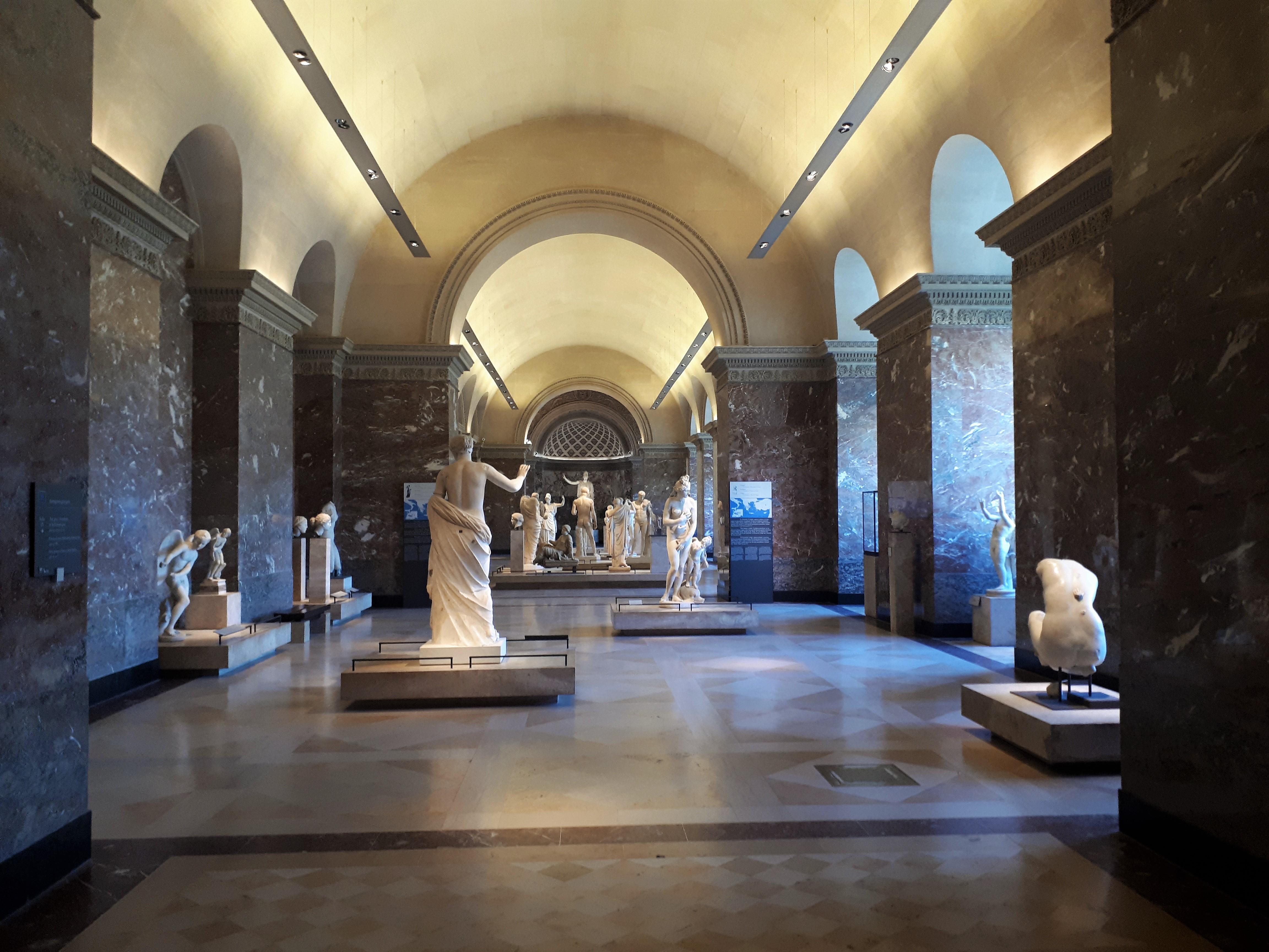 File Salle Des Antiquites Grecques Du Louvre Jpg Wikimedia Commons