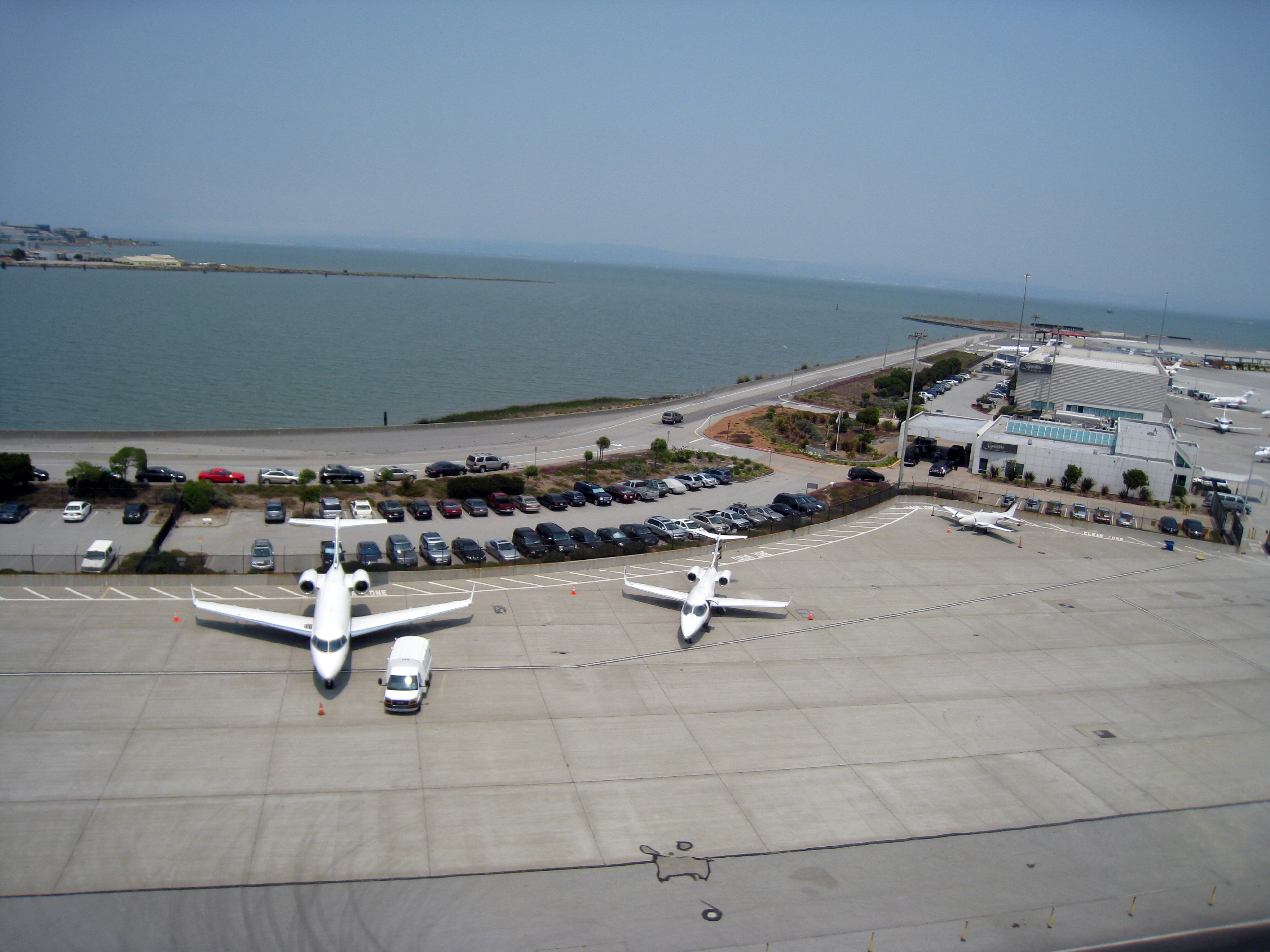 FileSan Francisco Airportjpg  Wikimedia Commons