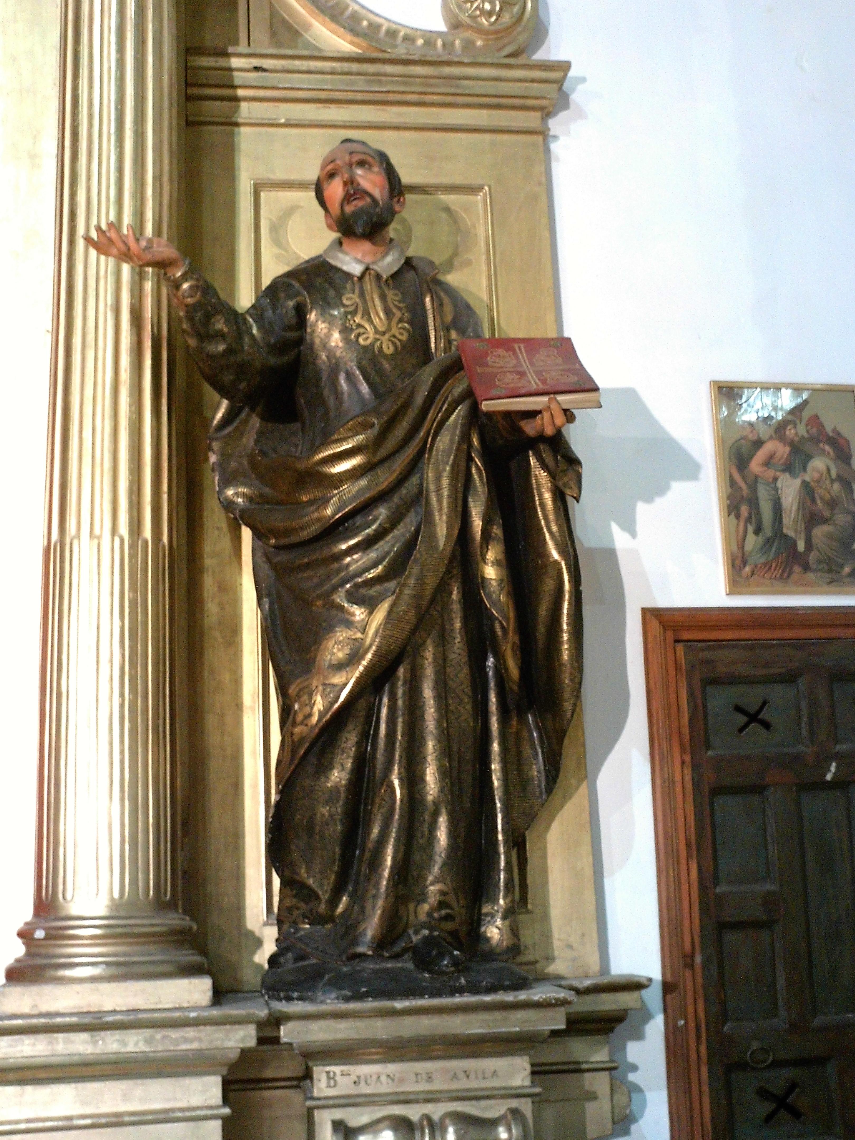 Statue av den hellige Johannes av Ávila i kirken San Andrés i Sevilla i Andalusia