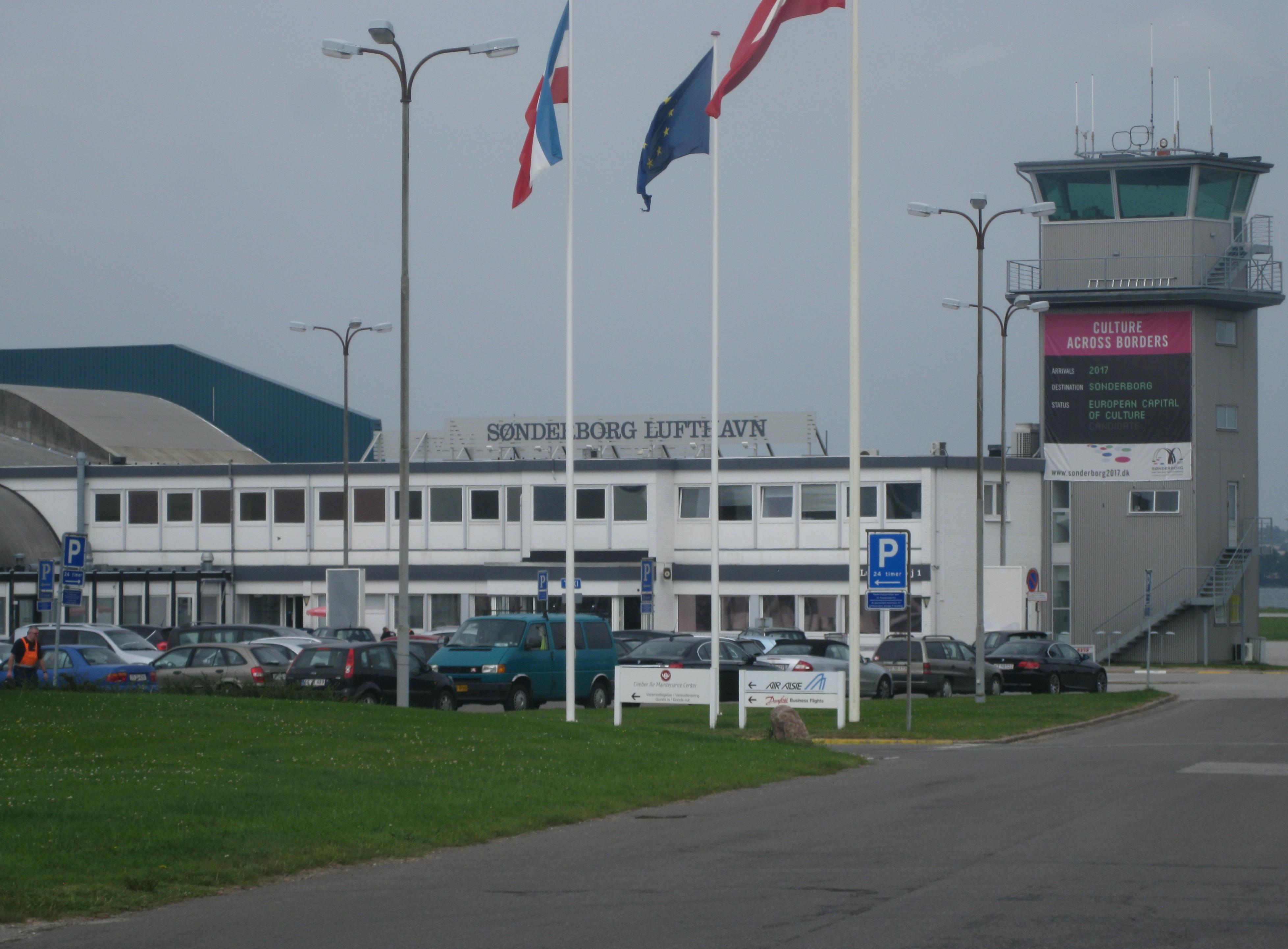 森讷堡机场