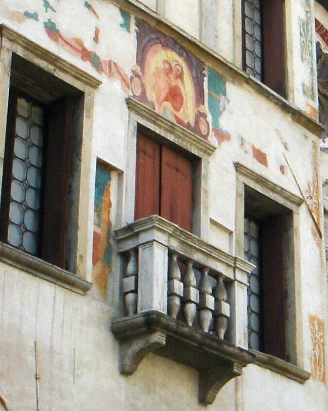 File serravalle di vittorio veneto casa bernardini particolare con affresco foto di paolo - Casa vittorio veneto ...