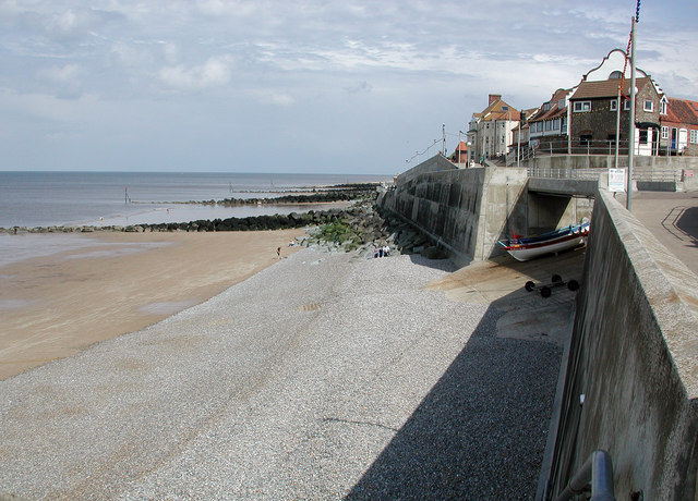 Sheringham Seafront and sea defence - geograph.org.uk - 508627