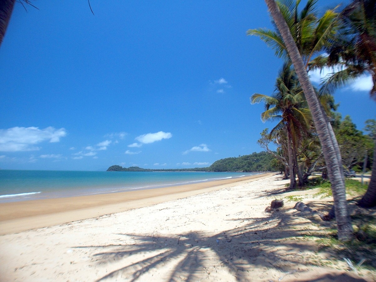 Dunk Island Holidays: South Mission Beach
