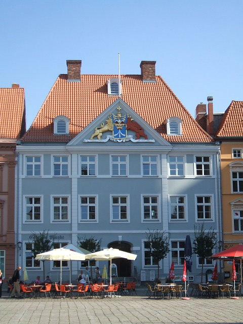 Stralsund Germany  city photo : Stralsund, Germany, Commandantenhus 206 09 15 Wikimedia ...