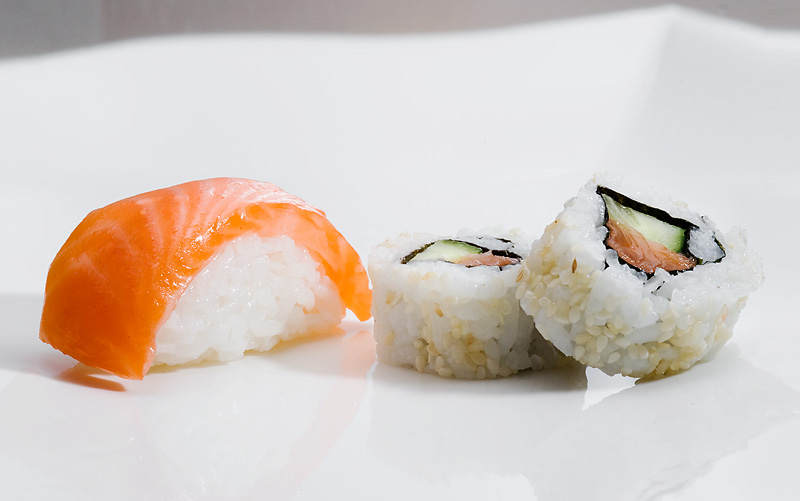 File:SushiMaki.jpg