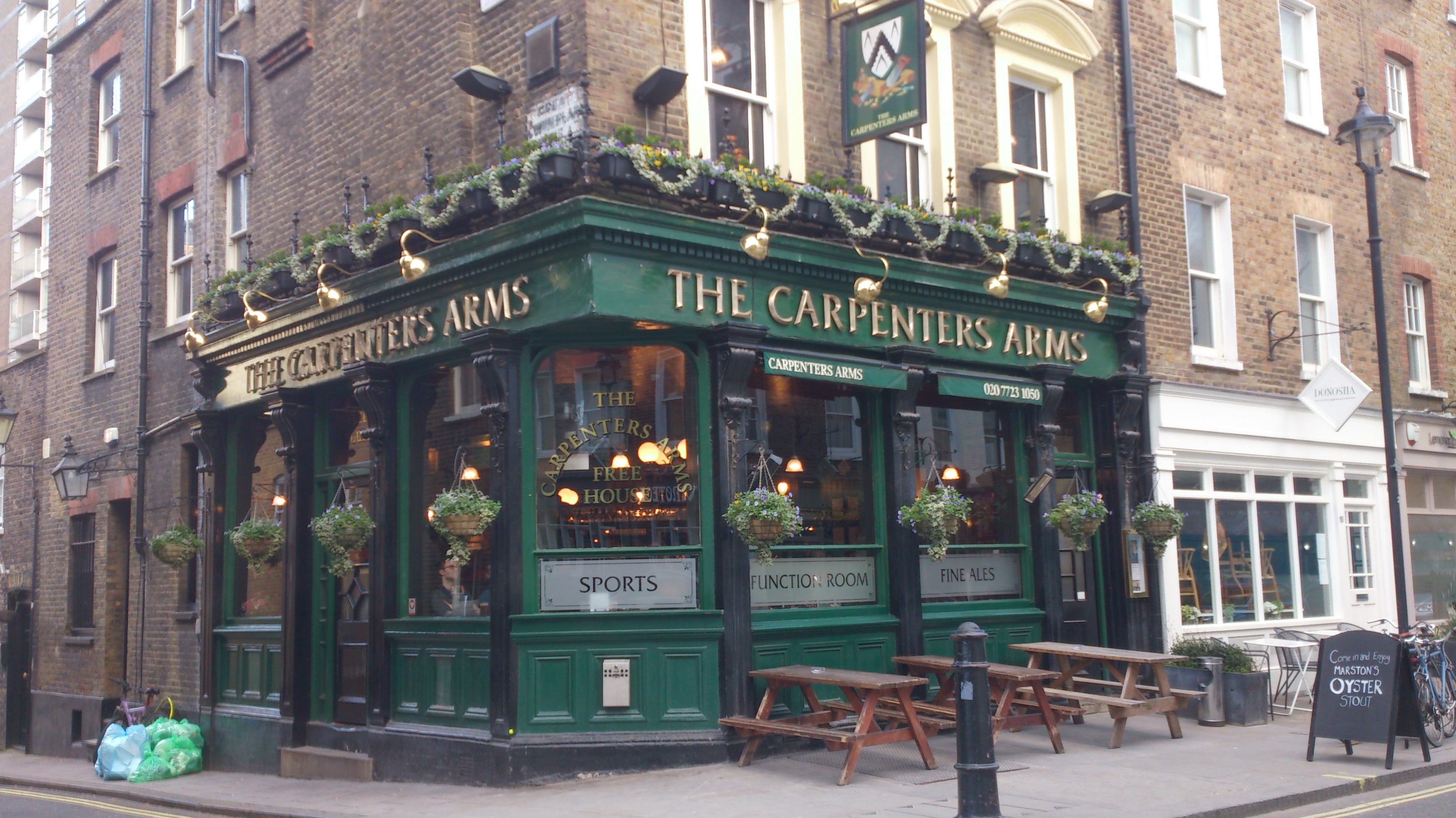 File The Carpenters Arms Seymour Place London Mar 2013