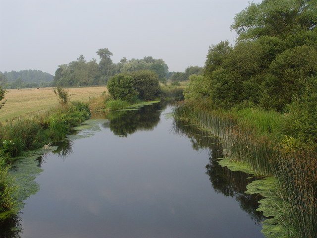 View from Eye Bridge along the Stour - geograph.org.uk - 309994