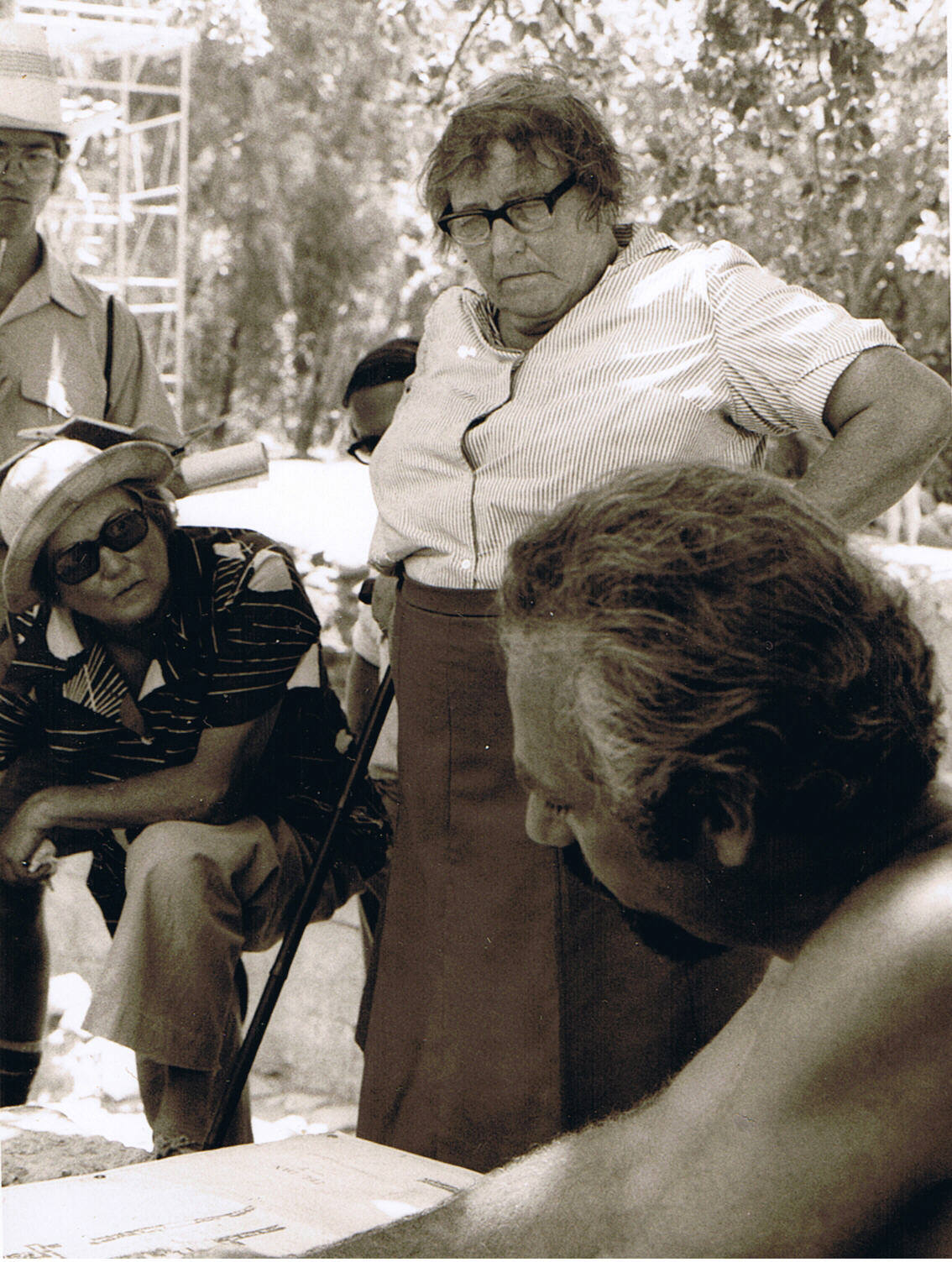 Kenyon at an excavation in 1977