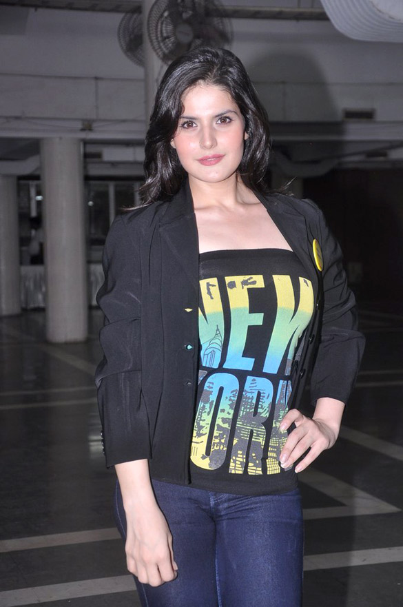 The 31-year old daughter of father (?) and mother(?) Zarine Khan in 2018 photo. Zarine Khan earned a  million dollar salary - leaving the net worth at 12 million in 2018