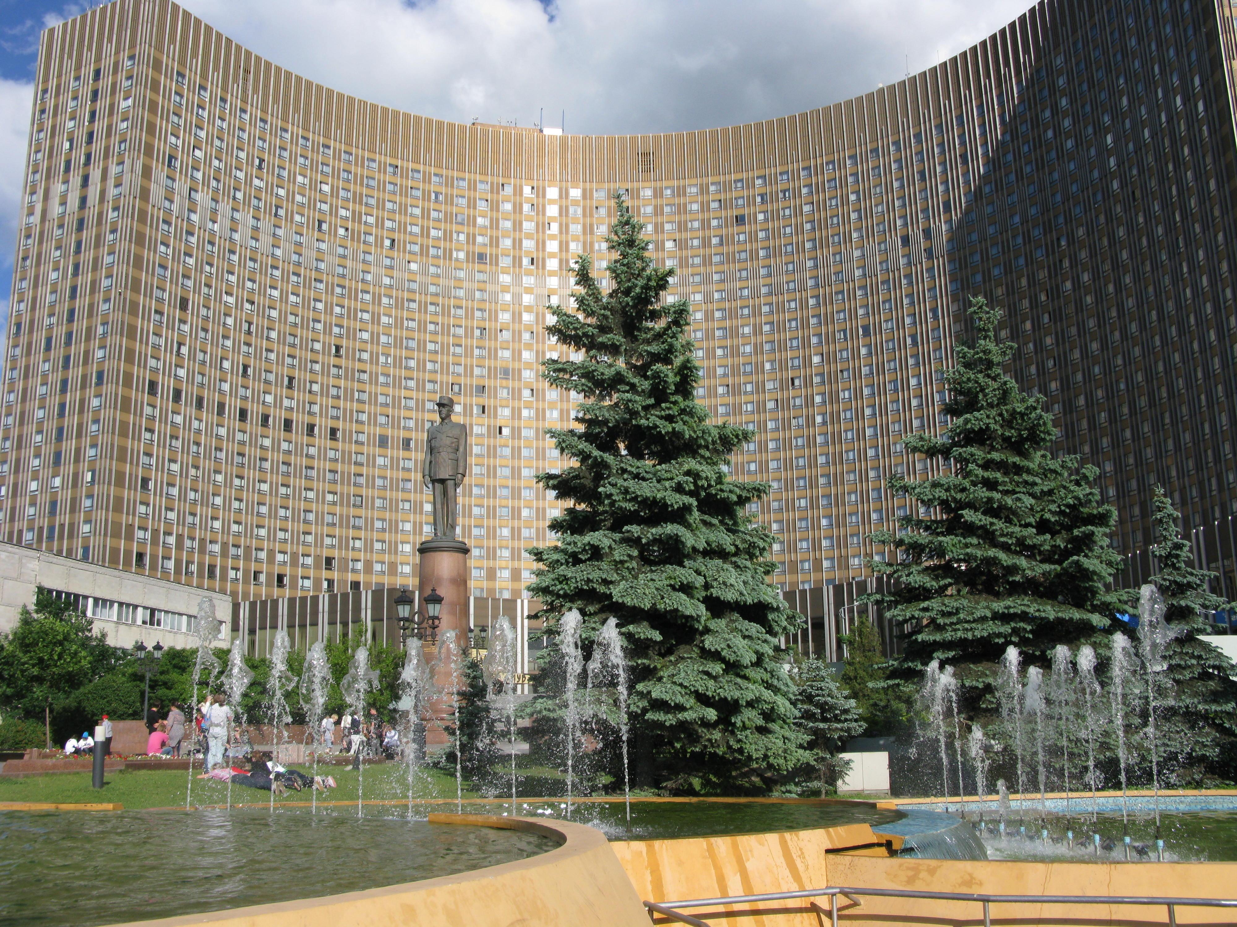 Картинки гостиницы космос в москве