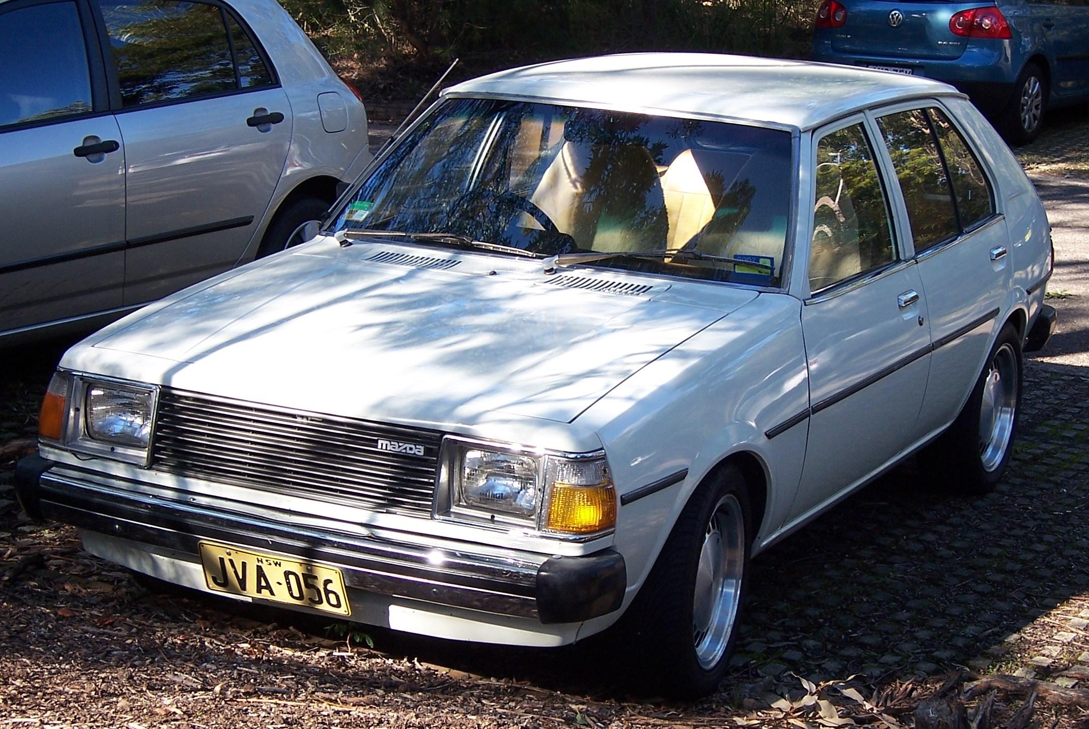 file:1979-1980 mazda 323 1.4 hatchback 01 - wikimedia commons