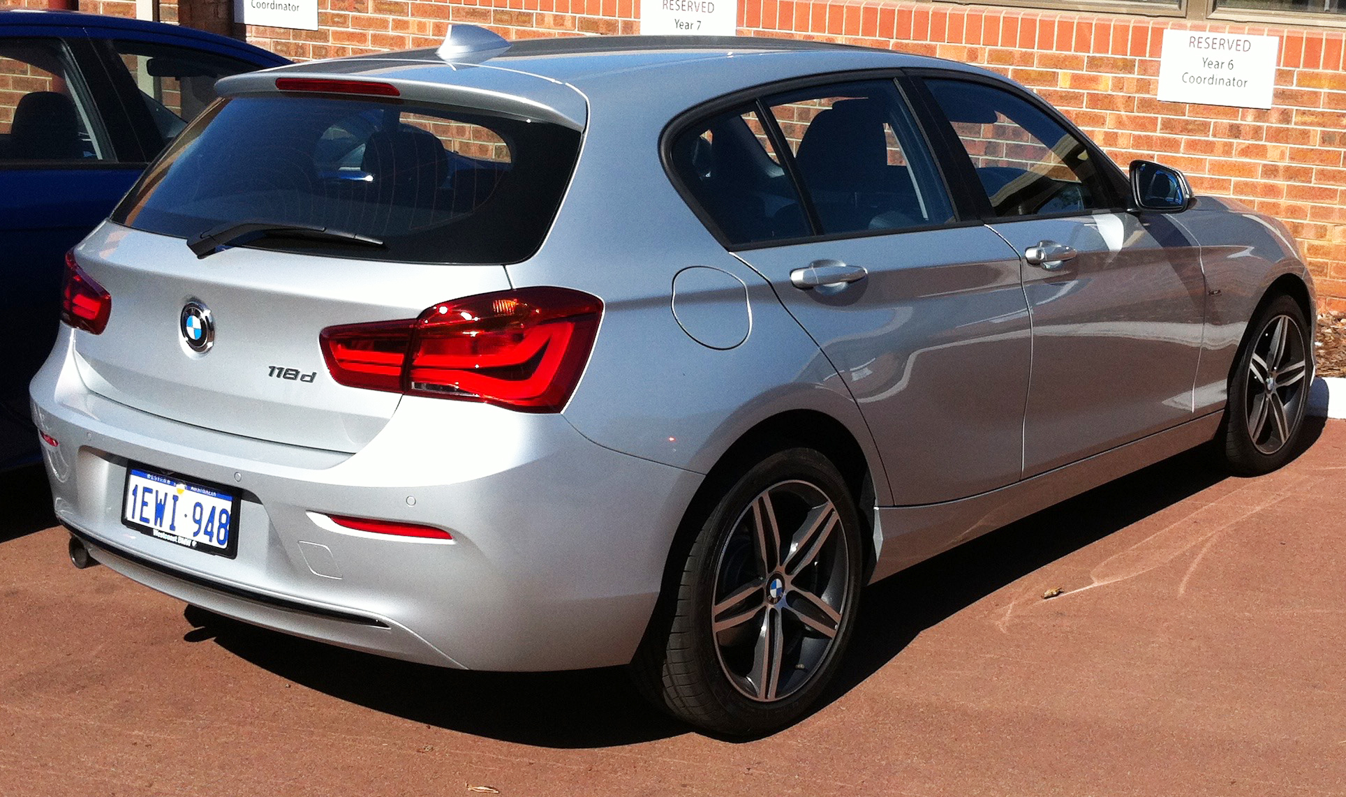 bmw 1er hatchback f21 118i 170 hp automatic. Black Bedroom Furniture Sets. Home Design Ideas