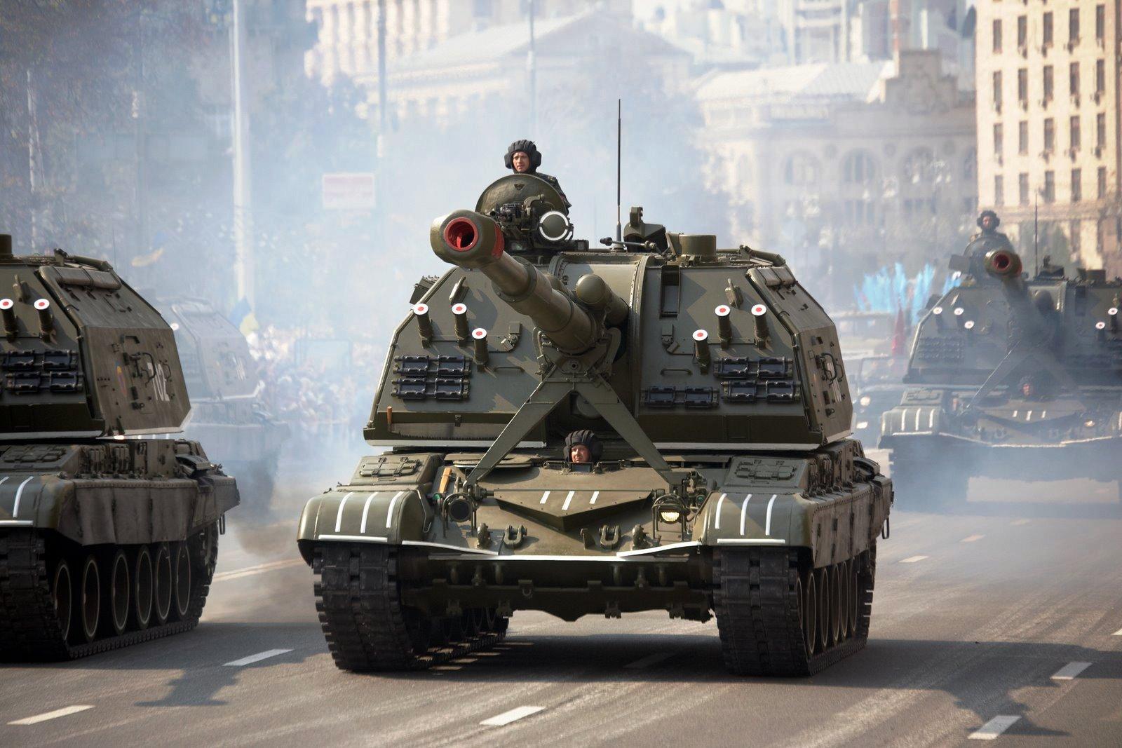 Самоходные гаубицы 2С19 МСТА-С на параде в Киеве 24.08.2008