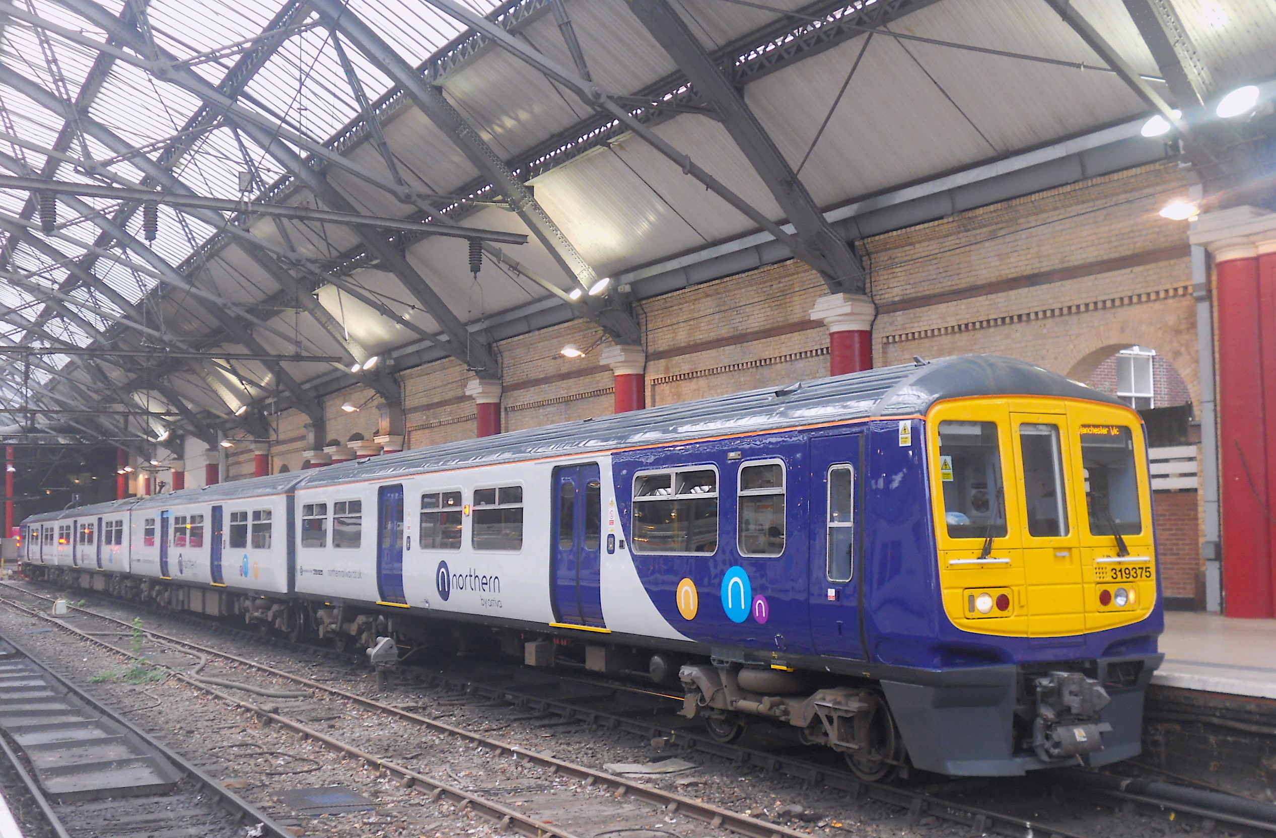 Flickr the uk class 302 304 305 307 308 309 310 312 br slam door - Northern Class 319 3 No 319375 At Liverpool Lime Street