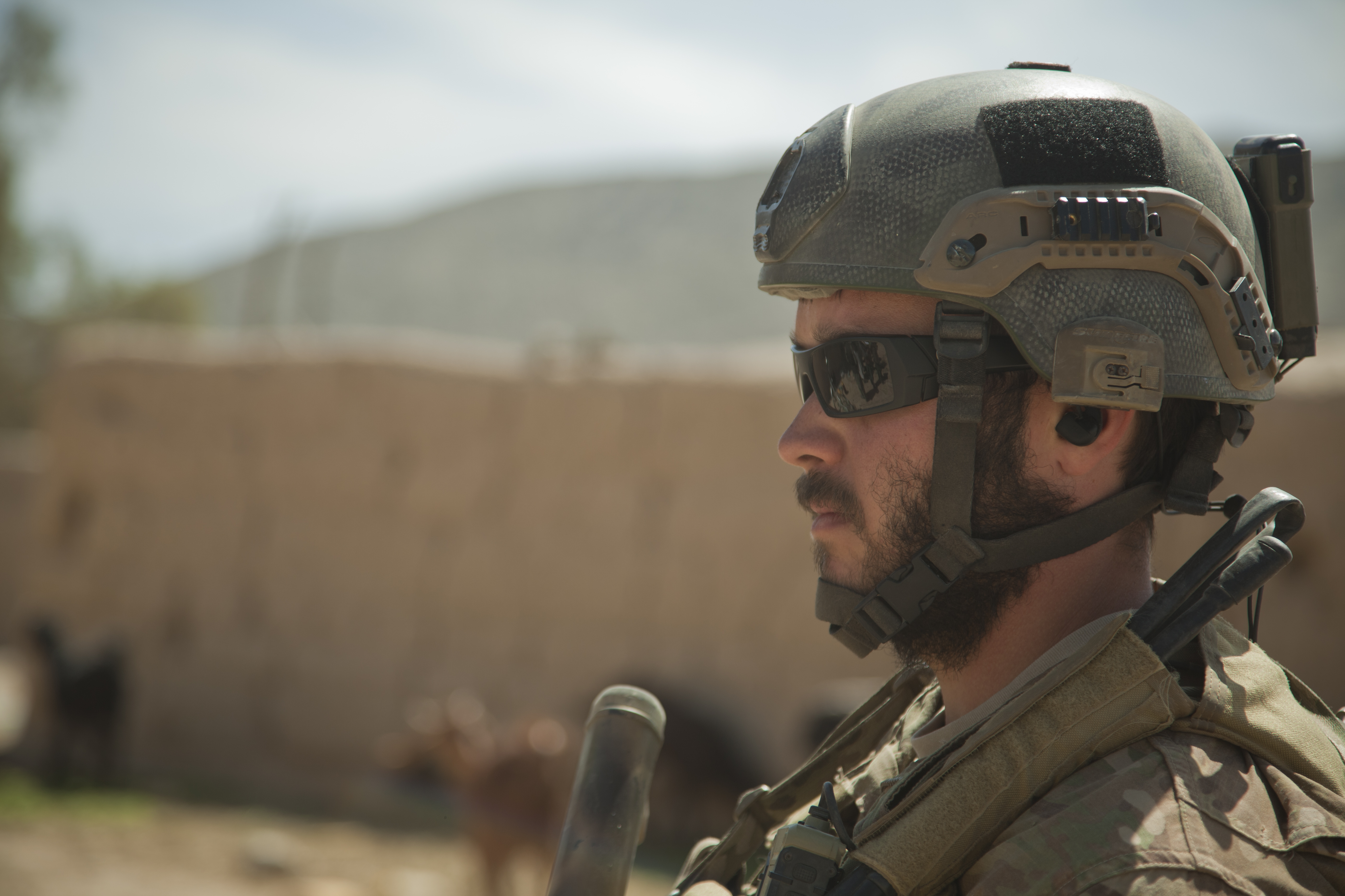 Special T Si >> File:A coalition forces service member provides security for Afghan National Army Special Forces ...