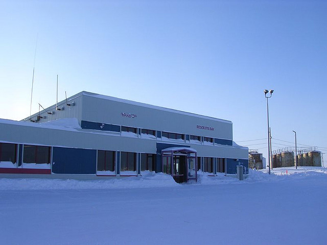 Airport in Resolute By Northern Pix - https://www.flickr.com/people/northernpix/ (Airport terminal - Resolute Bay, Nunavut, Canada) [CC BY 2.0 (https://creativecommons.org/licenses/by/2.0)], via Wikimedia Commons