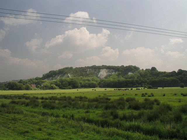 File:Arun flood plain with Amberley chalk pits beyond - geograph.org.uk - 1010513.jpg