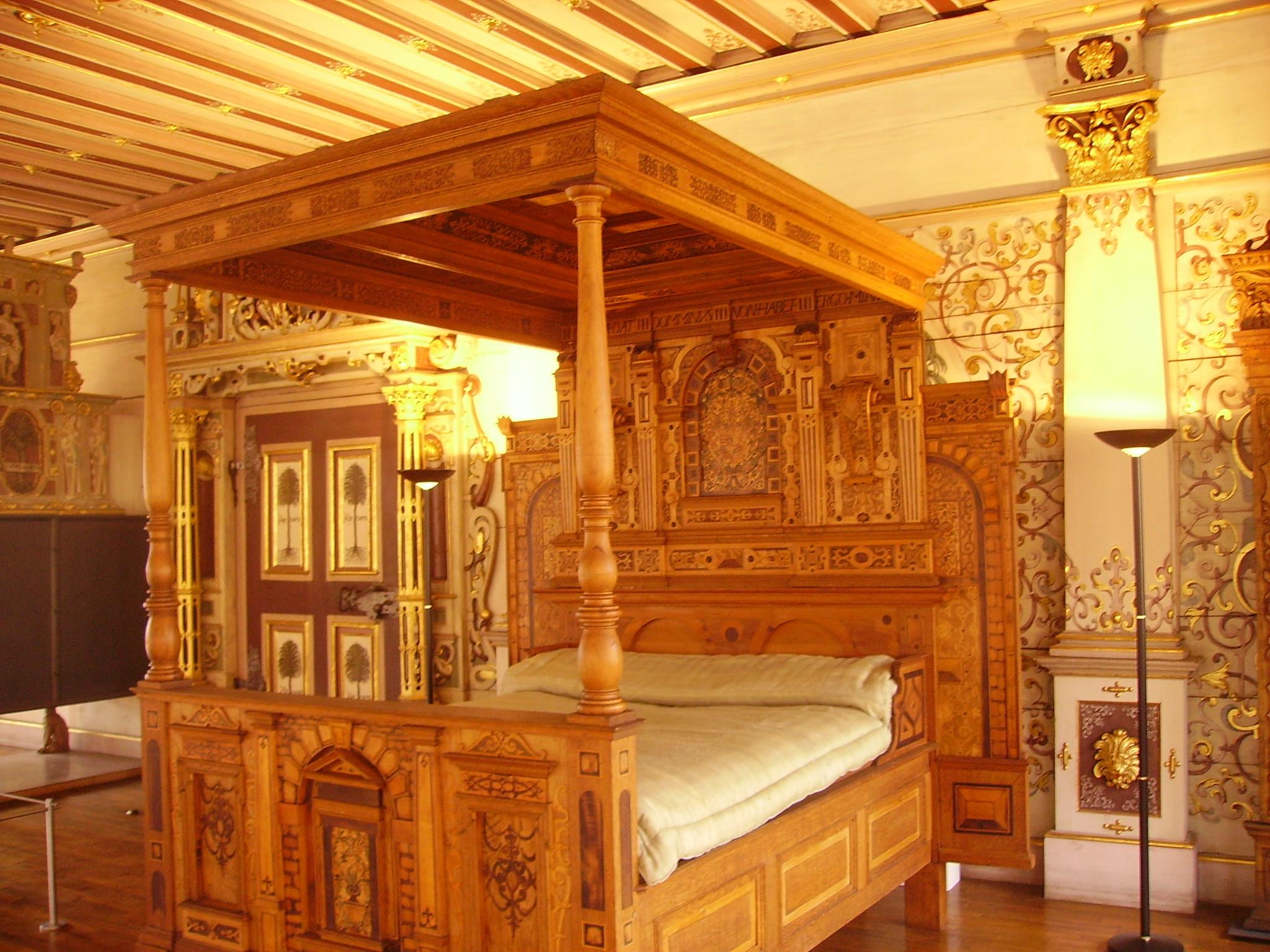 file bad urach schloss innen goldenes zimmer bett wikimedia commons. Black Bedroom Furniture Sets. Home Design Ideas