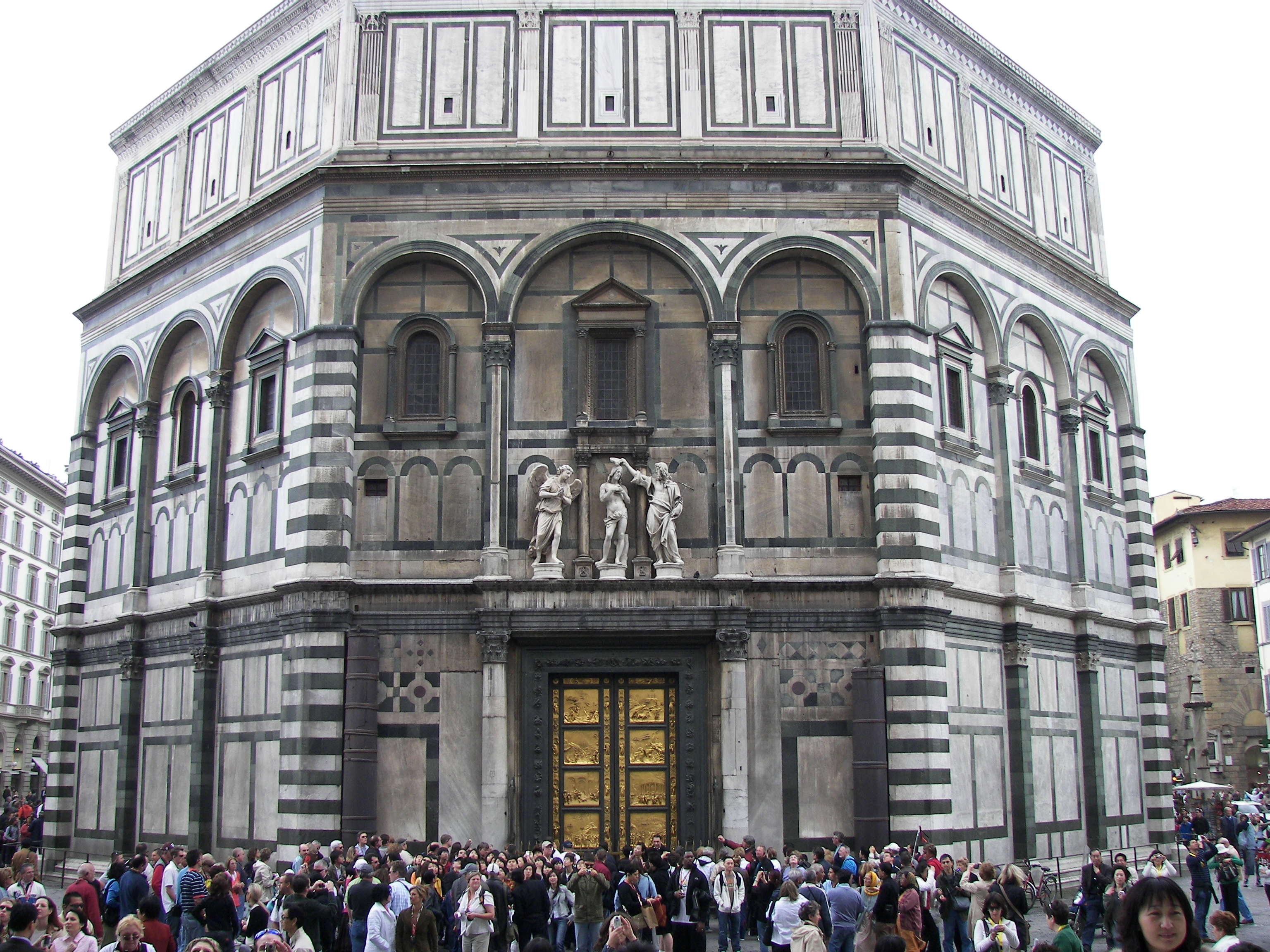 File:Battistero di San Giovanni close.jpg - Wikipedia, the free ...