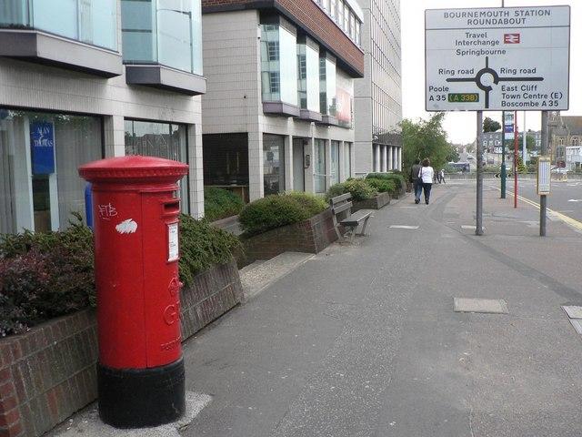 BH8 32 Holdenhurst Road