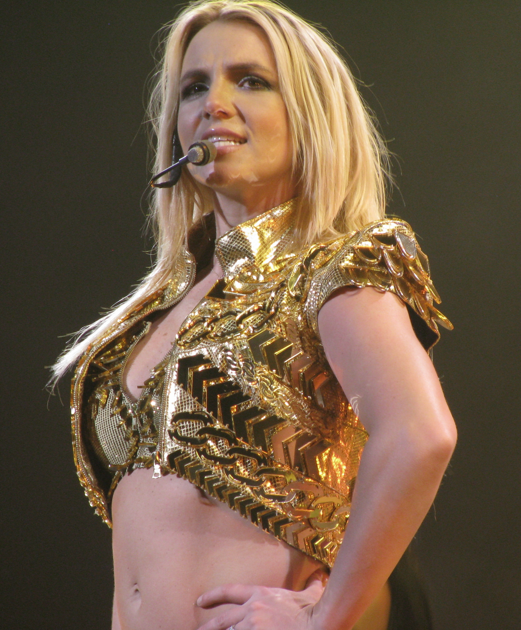 File:Britney Spears 2, 2011.jpg - Wikipedia бритни спирс википедия