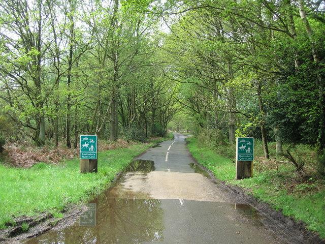 Bucklebury Quiet Lane - geograph.org.uk - 791620