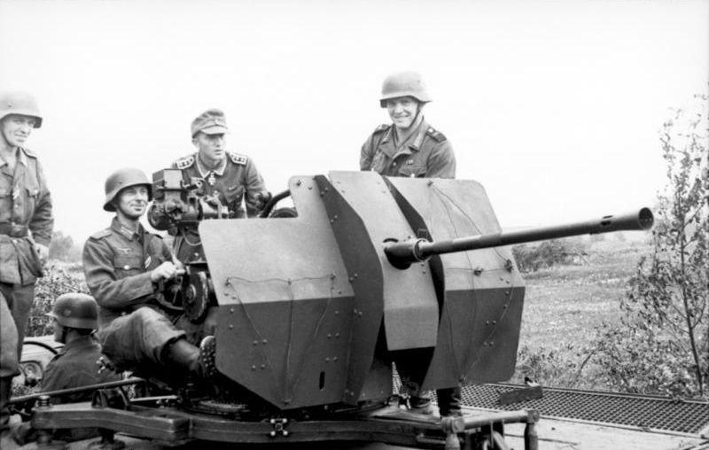 choix des armes 2013 - Page 2 Bundesarchiv_Bild_101I-219-0597-15,_Russland-Mitte-S%C3%BCd,_leichte_Flak,_Josef_Niemitz
