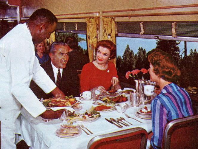 File California Zephyr Dining Car Jpg Wikimedia Commons