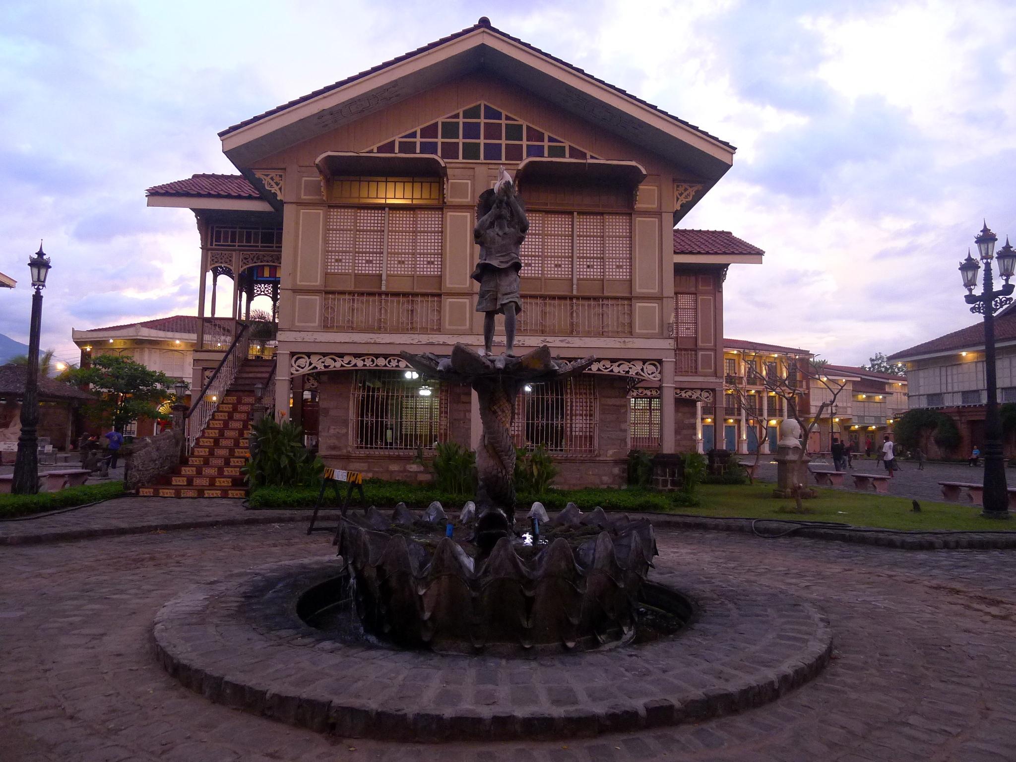File:Casa Mexico, Las Casas Filipinas de Acuzar, Bataan.JPG