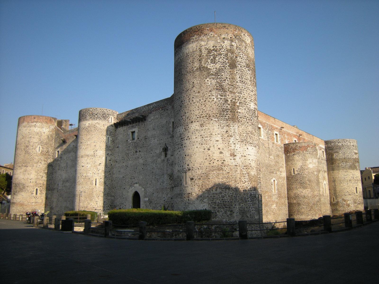 File:Castello Ursino (2761235338).jpg - Wikimedia Commons