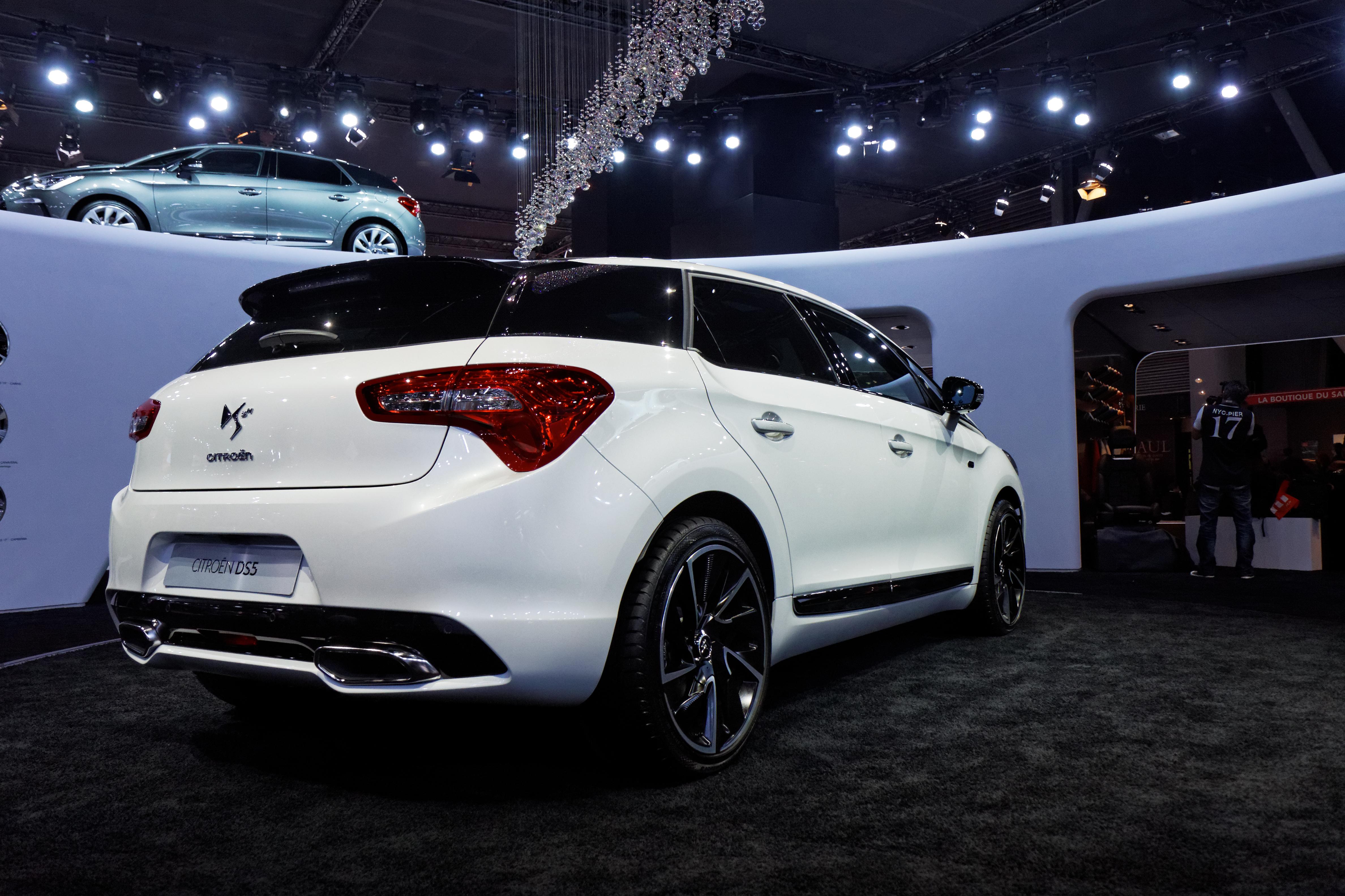 convertible automobile hybrid 2015 autos post. Black Bedroom Furniture Sets. Home Design Ideas