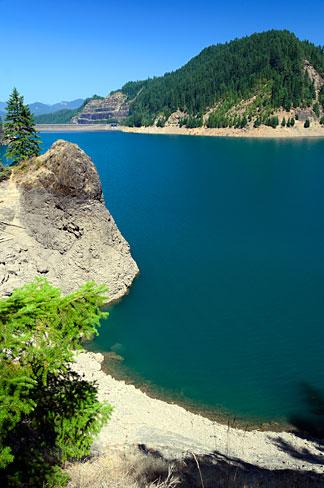 Cougar Reservoir (Lane County, Oregon scenic images) (lanDB3812).jpg English: Cougar Reservoir in the Cascade Mountains. Date September 2011