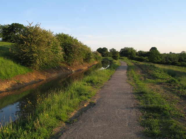 Disused canal under renovation - geograph.org.uk - 180135.jpg English: Disused canal under renovation. The Wilts & Berks Canal was abandoned