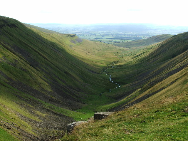 Eden Valley from High Cup Nick - geograph.org.uk - 103396