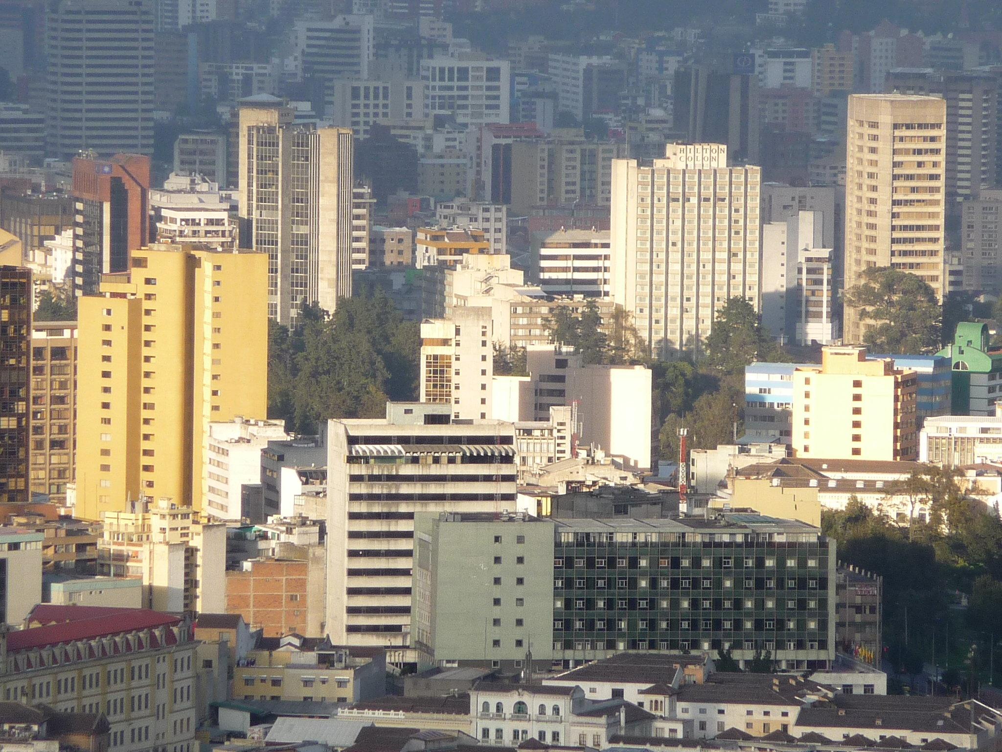 File Edificios En Quito Wikimedia Commons