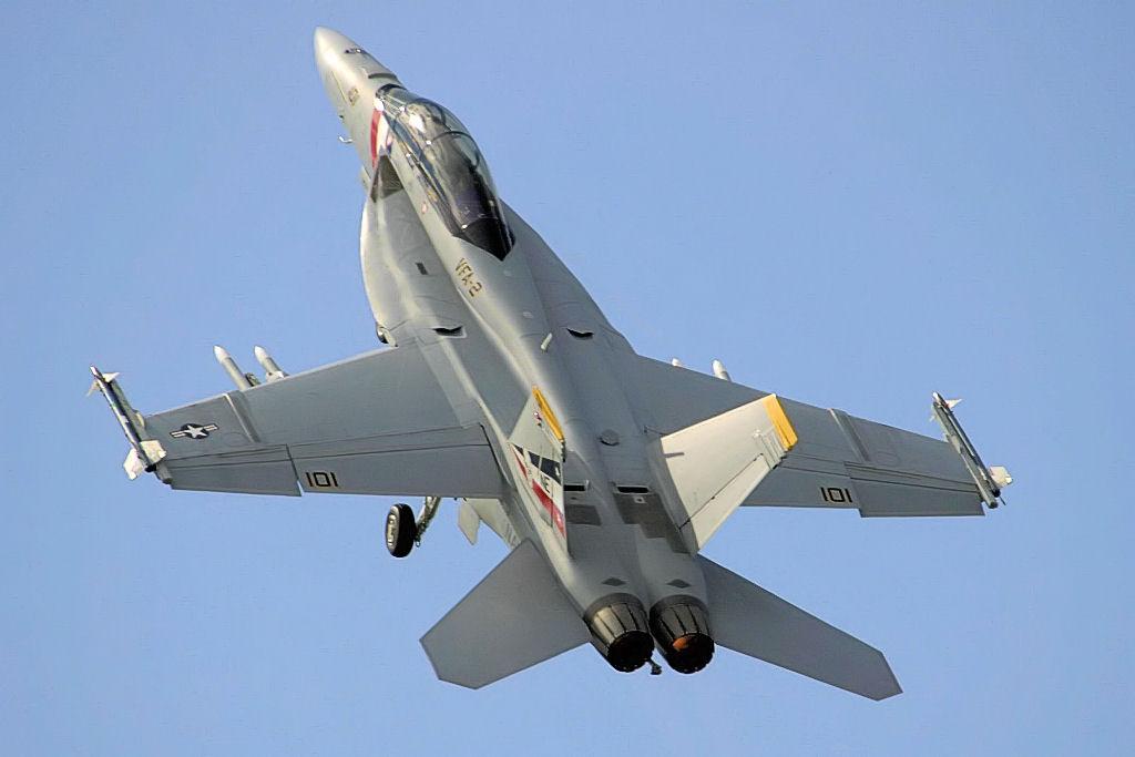 File:F18 Super Hornet ...