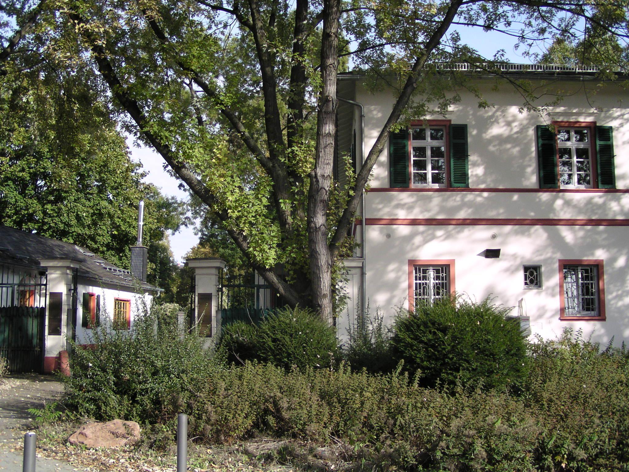 File frankfurt am main bethmann gartenhaus wikimedia commons - Gartenhaus frankfurt ...