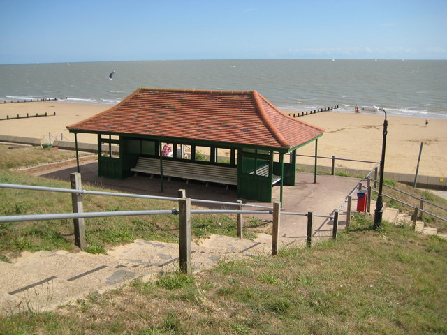 Frinton-on-Sea, Seafront shelter - geograph.org.uk - 1474016