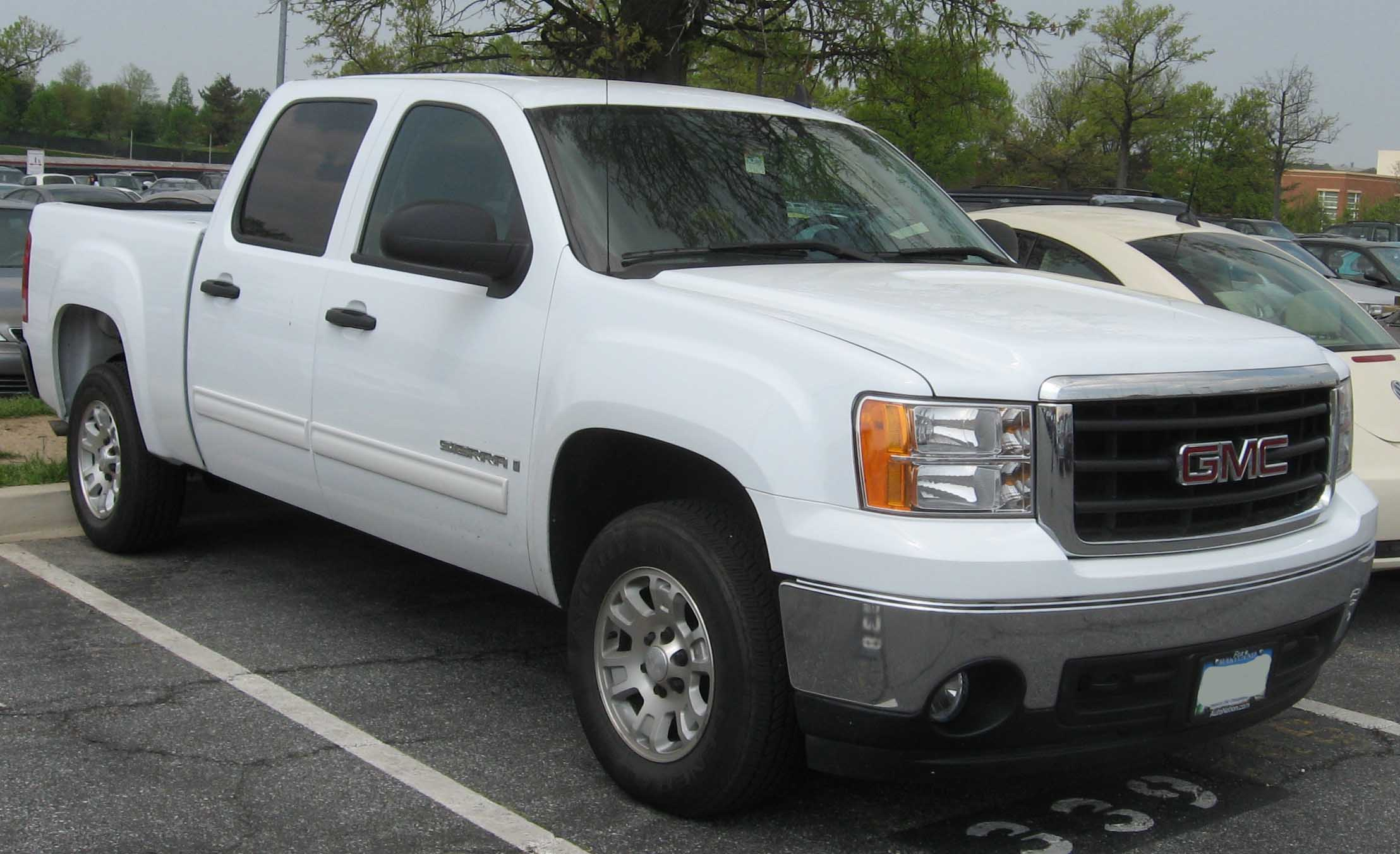 Description GMC Sierra crew cab.jpg