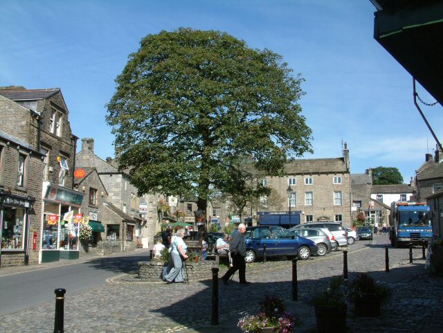 Grassington Main Street - geograph.org.uk - 829638