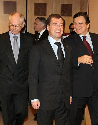 Herman Van Rompuy, Dmitry Medvedev and José Manuel Barroso in Brussels (2010-12-07) - 1
