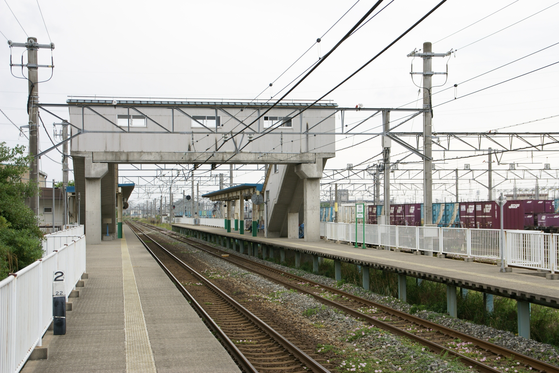 https://upload.wikimedia.org/wikipedia/commons/2/26/Higashi-Niigata_20080526_%283%29.JPG