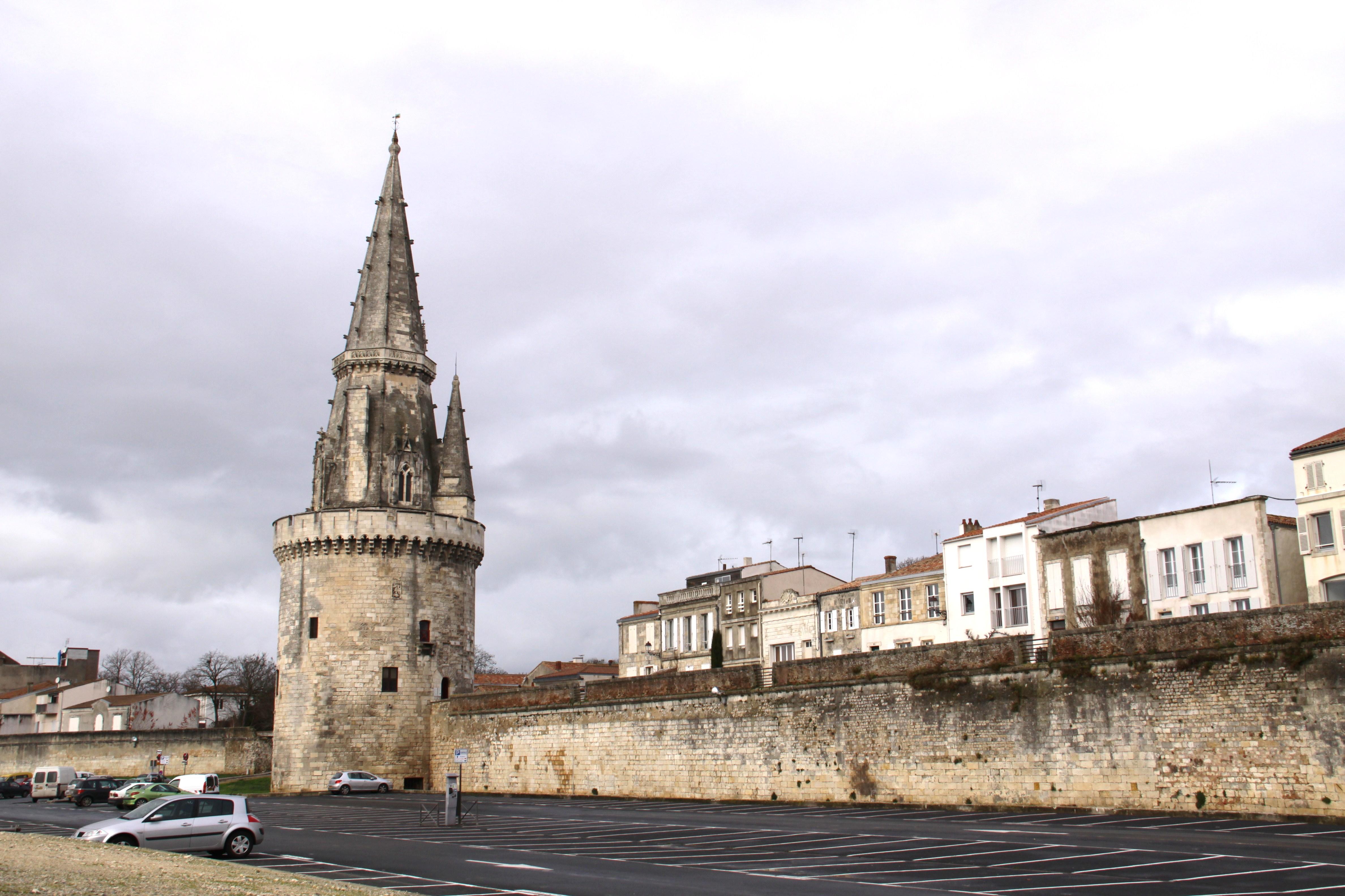 file la tour de la lanterne et le parking jean d acre jpg wikimedia commons