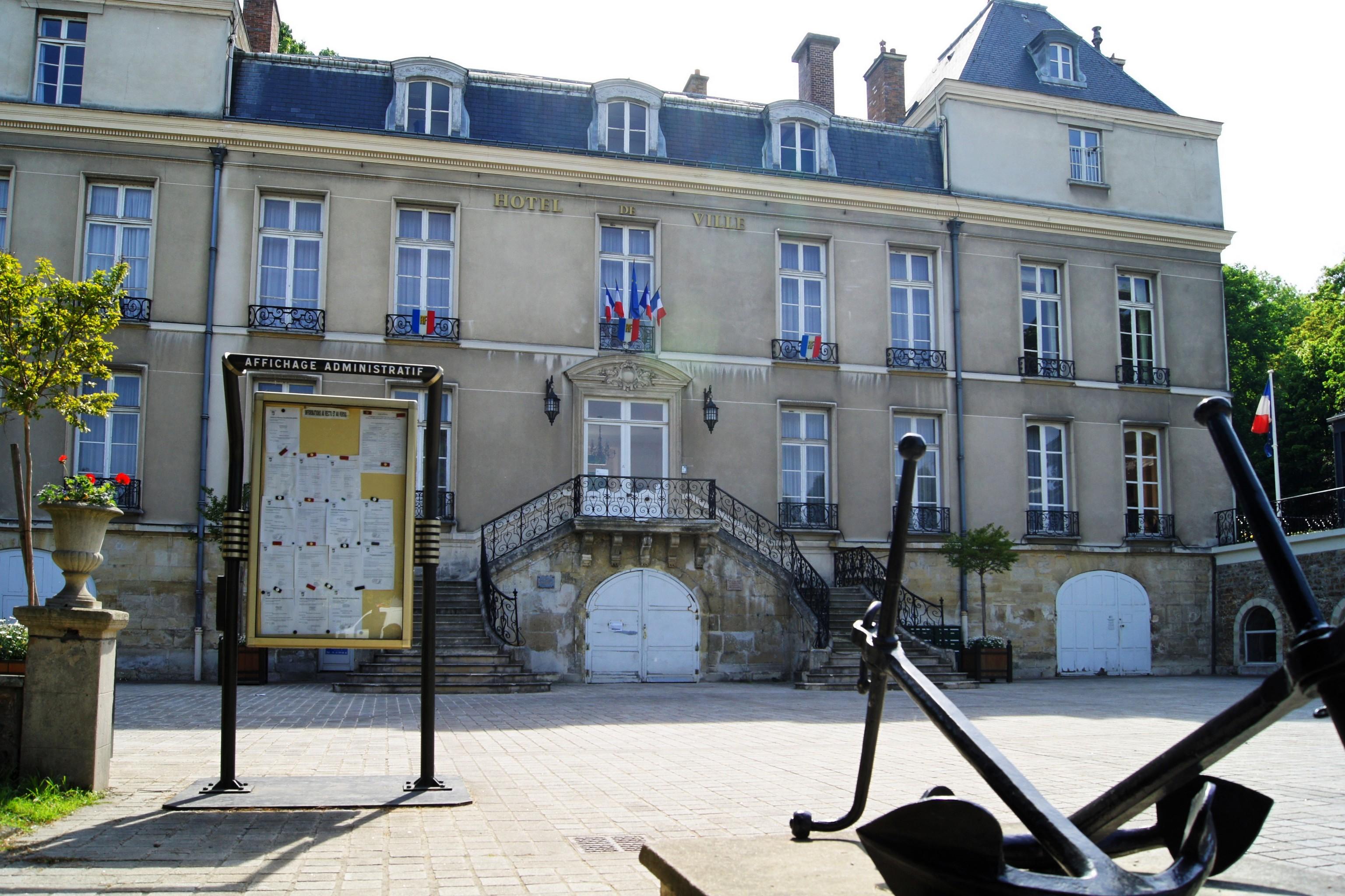 file la mairie de le port marly dans les yvelines jpg wikimedia commons