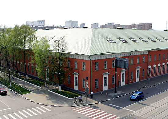 Файл:Lefortovskie barracks 03.jpg